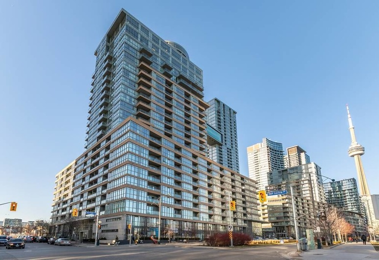 Gorgeous Luxury Condos near the CN Tower, Toronto