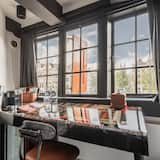Single Room (The Bookbinder) - City View