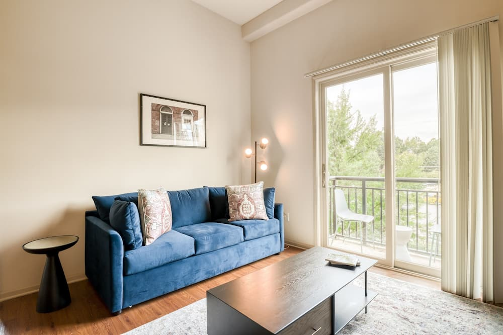 Signature Apartment, 3 Bedrooms, Balcony - Bilik Rehat
