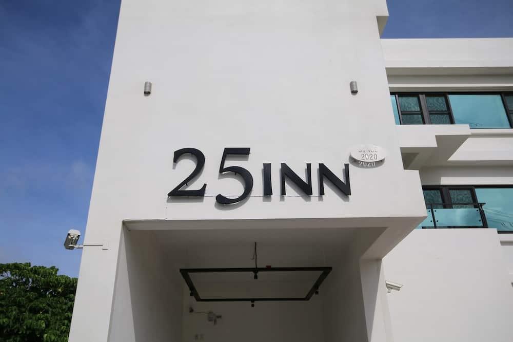 25 Inn Kenting Henchun