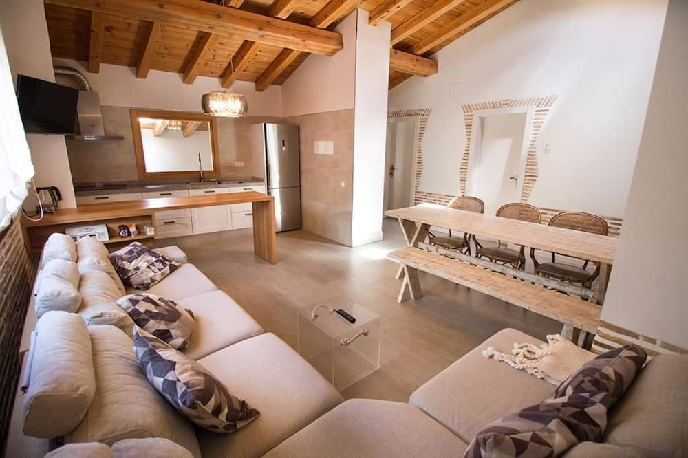 Ateliérové apartmá, 4 ložnice, výhled na hory - Obývací prostor