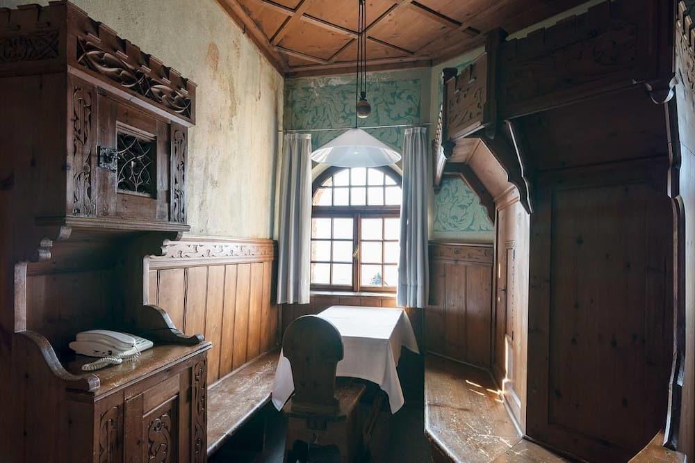 Habitación triple, vista a la montaña (Antica) - Sala de estar
