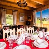 Premium Chalet - Living Area