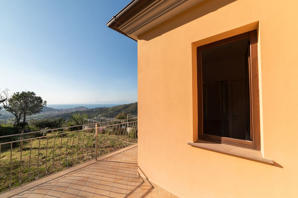 Kambarys su vitrininiais langais (DANAE) - Vaizdas iš balkono
