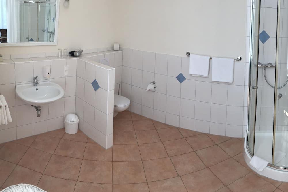 Čtyřlůžkový pokoj, vlastní koupelna - Koupelna