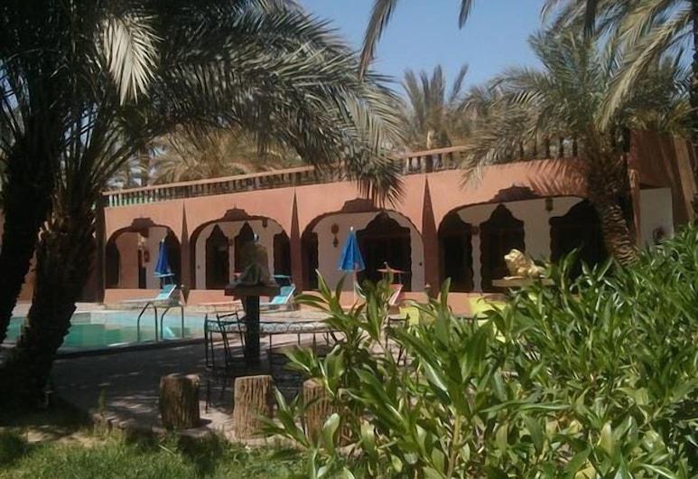 Riad Ambelar, Aarab Sebbah Ziz, Property Grounds