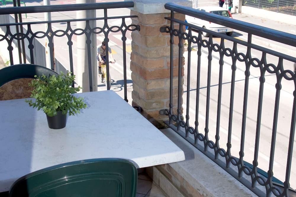 Traditional - yhden hengen huone - Terassi/patio
