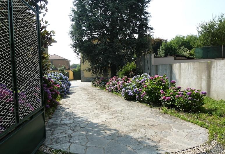 La Casa delle Ortensie, Erba