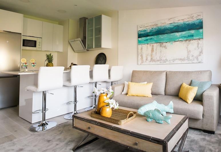 Living4Torremolinos  Sea Breeze, Torremolinos, Design appartement, 1 slaapkamer, Woonkamer