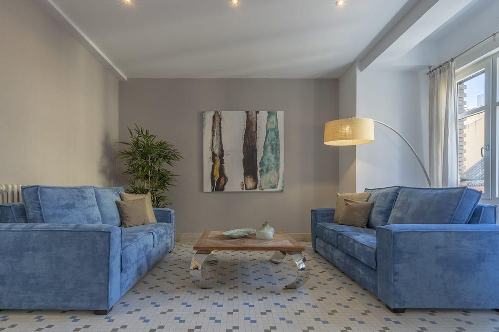 Apartment, 4 Bedrooms, Balcony - Living Room