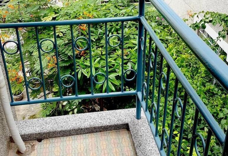 散步 Strolling, 台南市, 四人房, 浴缸, 露台