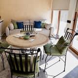 דירת יוקרה - אזור אוכל בחדר