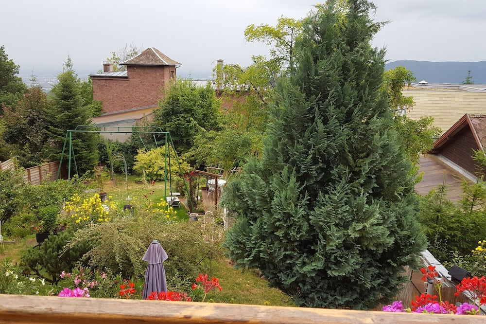 Double Room (Lilirose) - Garden View