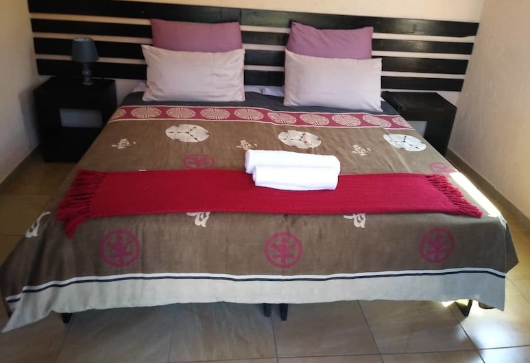 Teklos bnb, Bhunya, Standard Double or Twin Room, Guest Room