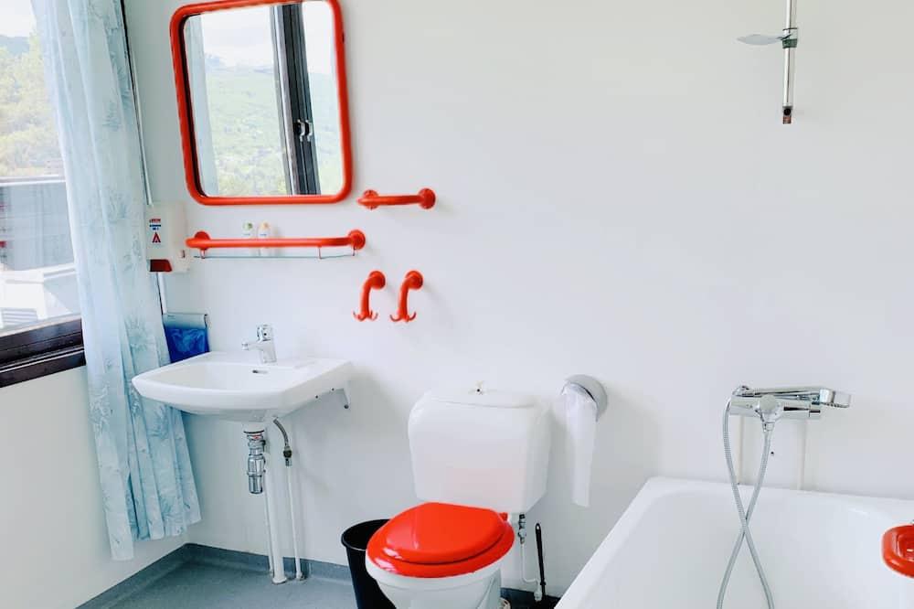 Kamar Double atau Twin Basic - Kamar mandi