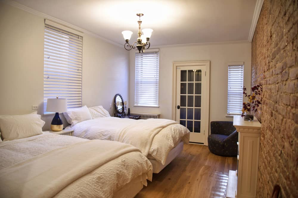 Hamilton Suites