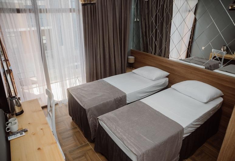 Mandarin, Chelwatschauri, Standard-Zweibettzimmer, Zimmer