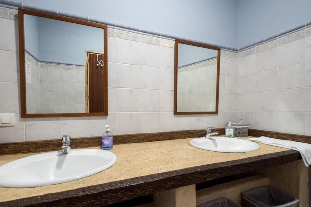 Traditional Villa, 5 Bedrooms, Private Pool - Bathroom