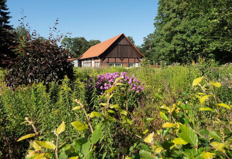 Dorfpark Falkenburg, Ganderkesee, Exterior