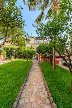 Picture of Villa Valverde Apartments in Taormina
