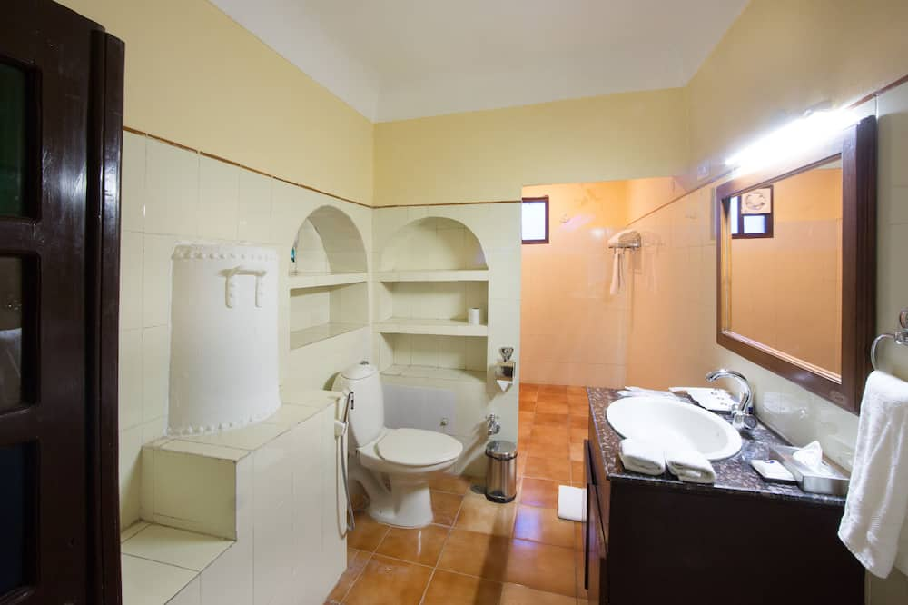 Heritage Room - Bathroom