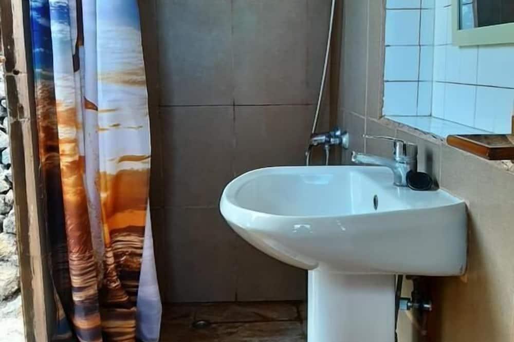 Einzelzimmer, Gemeinschaftsbad (2) - Badezimmer