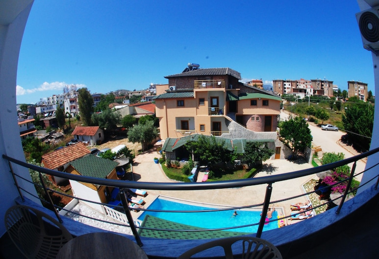 Hotel Piramida, Ksamil, Triple Room, Balcony, Balcony