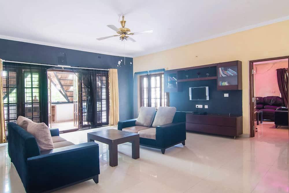 Luxury Villa, 3 Bedrooms - Living Area