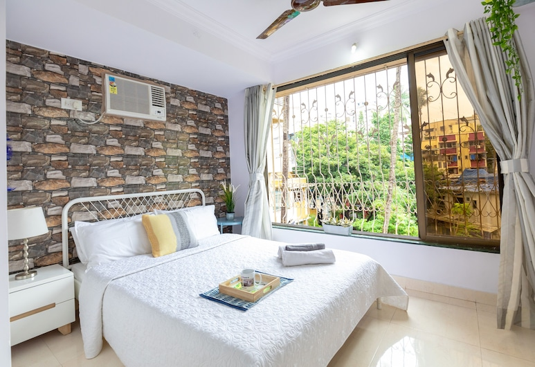 ConnektHomes - Serviced Flat Near Carter Road, Mumbai, 2 BHK Apartment, Room
