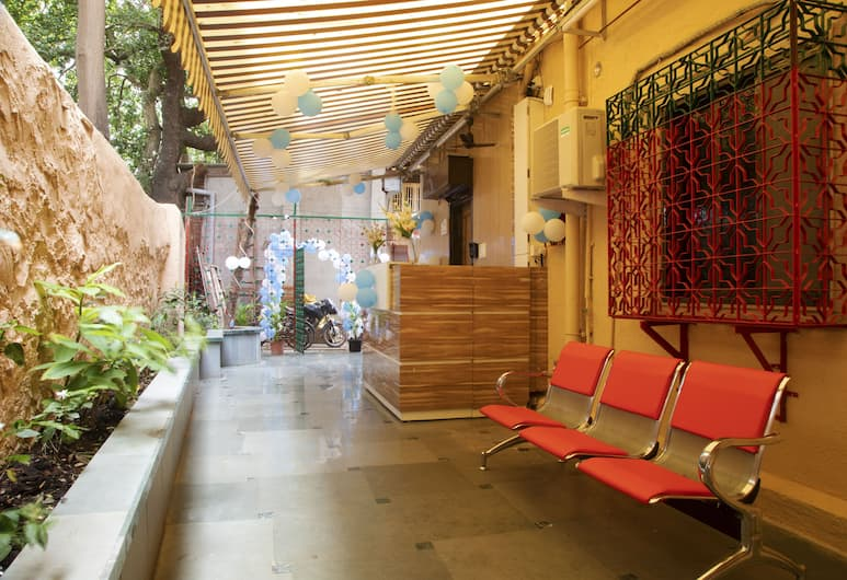 Al Shifa Residency, Mumbai, Lobby Sitting Area