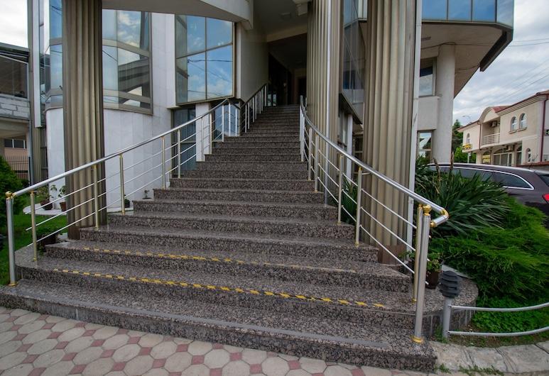 Hotel Kristal Palas, Prilep, Hotellets indgang