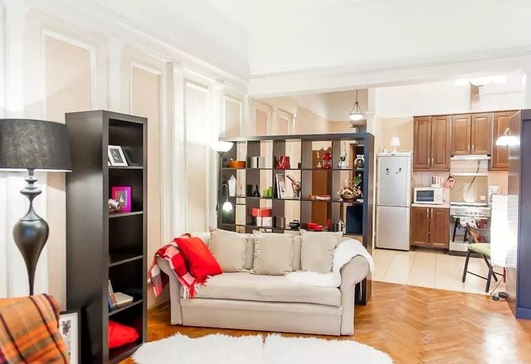 Apartment on Bolshoy Gnezdnikovskiy 10, Moskva