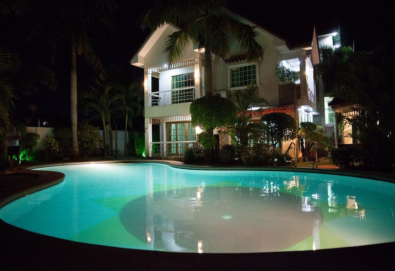 Sir Nico Guesthouse and Resort, Plaridel, Piscina