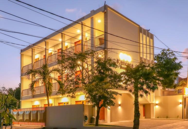 OYO 1200 Kencana Residence, Jimbaran, Voorkant hotel