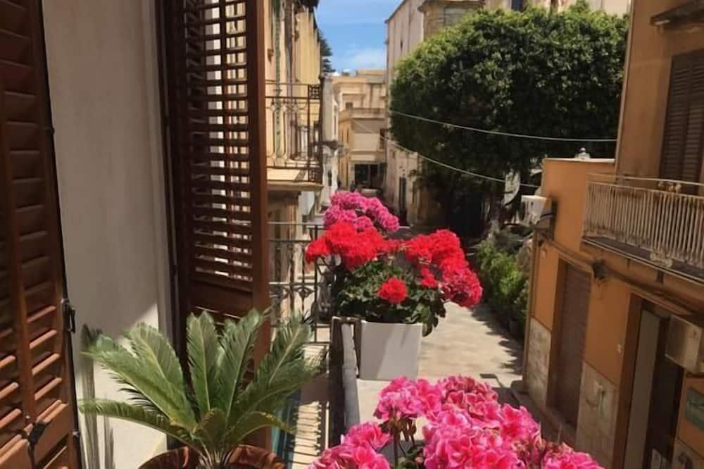 Панорамные апартаменты, 1 спальня - Балкон