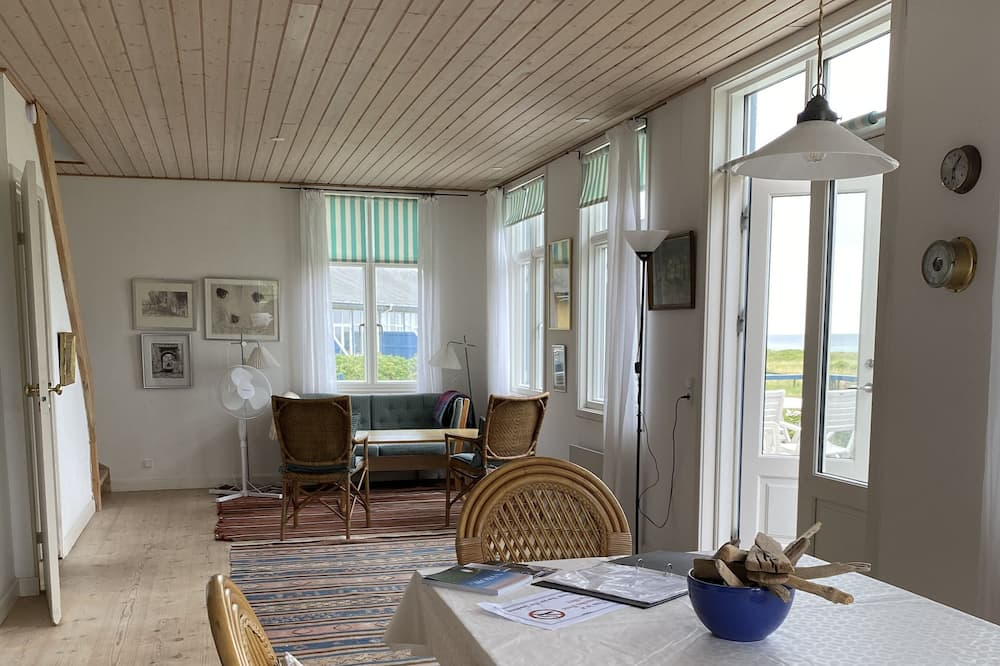Cottage, 2 Bedrooms, Non Smoking, Ocean View - Living Area