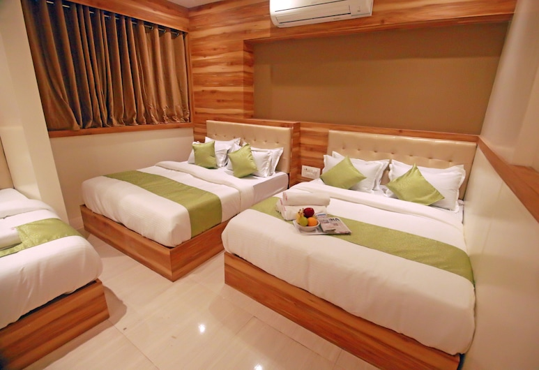 Hotel Al Madina Palace, Mumbai, Family Suite, Guest Room