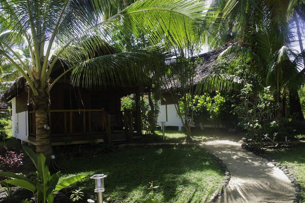 Comfort Bungalow - Garden View