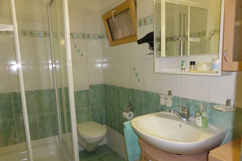 Komforta divvietīgs numurs (Verte) - Vannasistaba