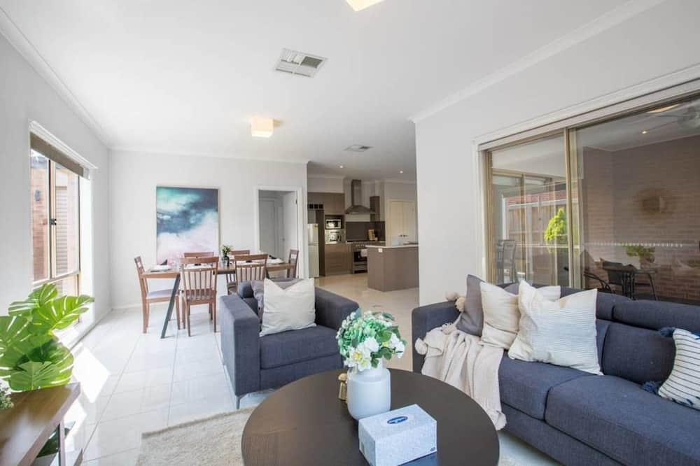 Casa (4 Bedrooms) - Sala de estar