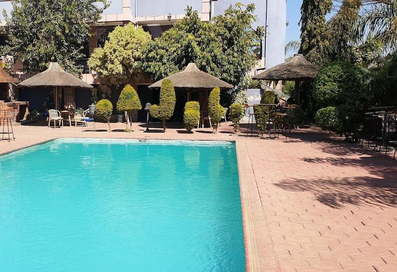 Melsim Lodge, ลูซากา, สระว่ายน้ำ