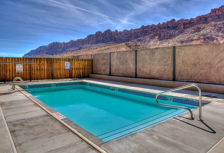Southgate 4 by MoabCondos4Rent, Moab, Outdoor Pool
