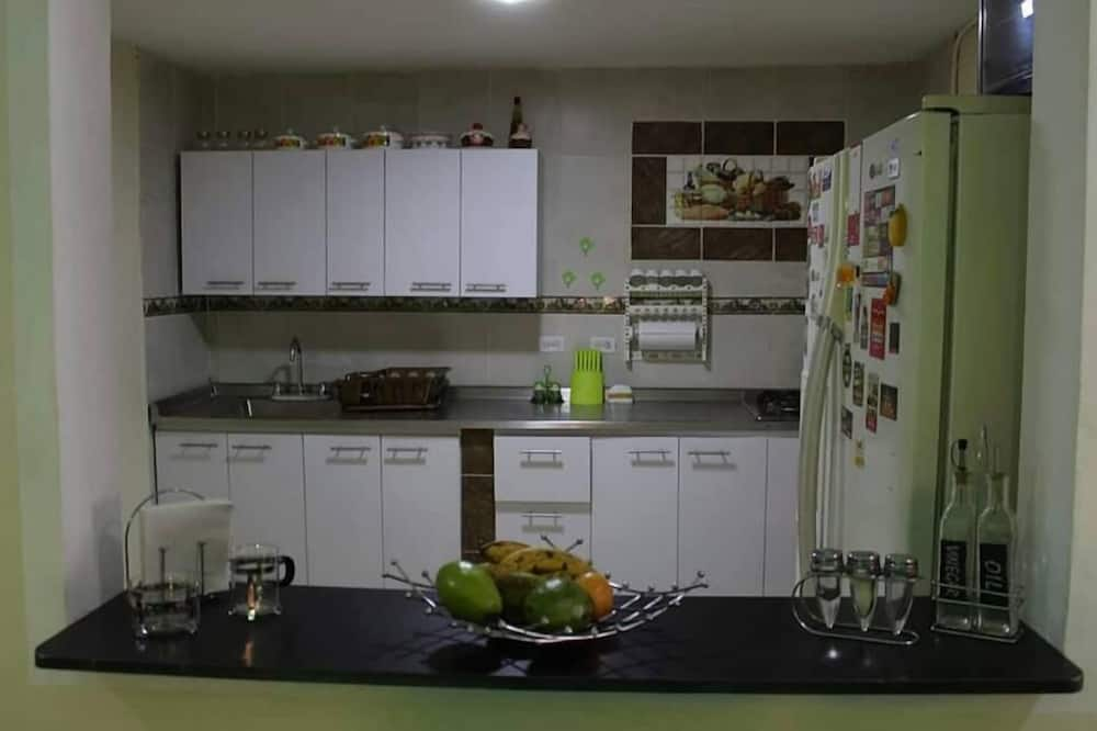 Double Room, 1 Double Bed, Private Bathroom - Shared kitchen