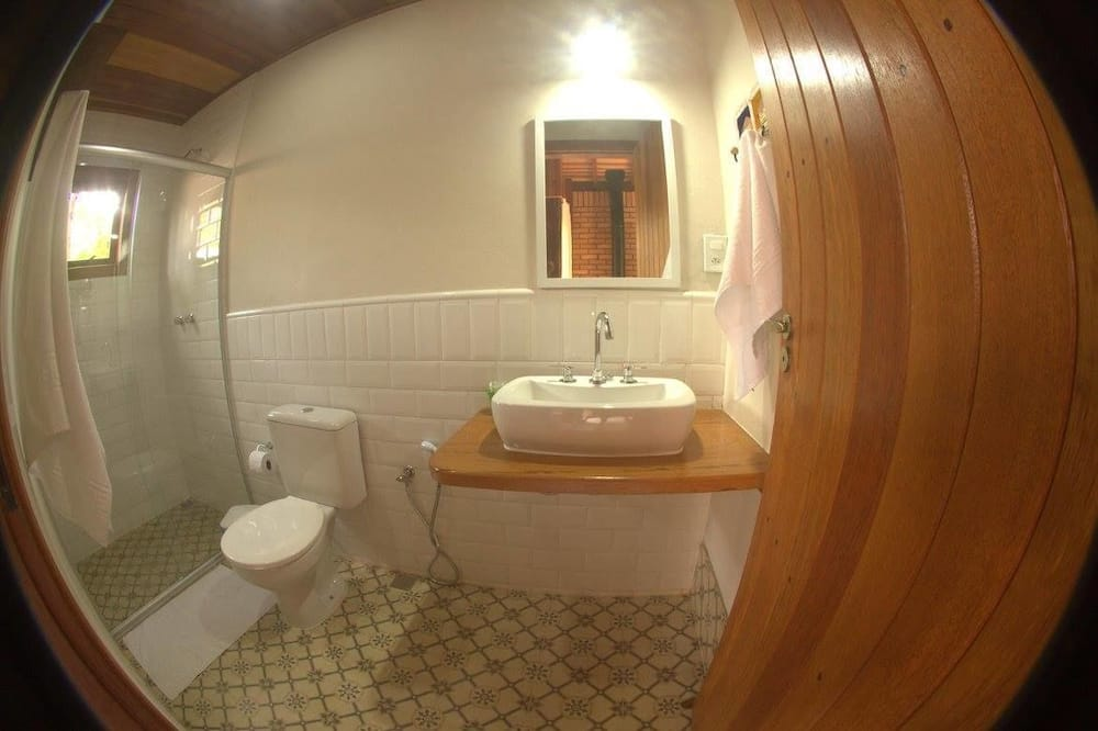 Family Suite, Jetted Tub - Bathroom