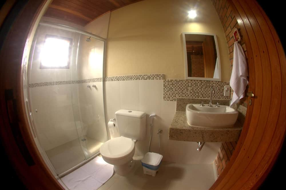 Deluxe Suite, Jetted Tub - Bathroom