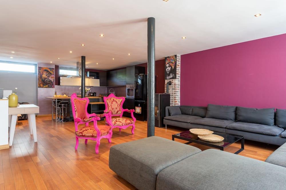 Premier Loft - Living Area