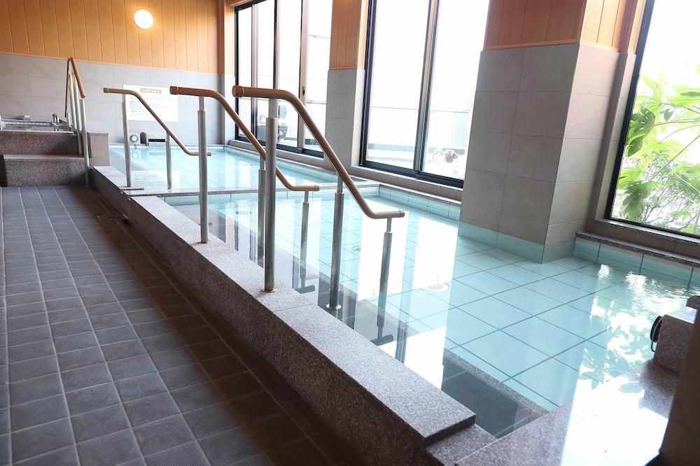 Kabin Basic, hanya laki-laki - Kamar mandi