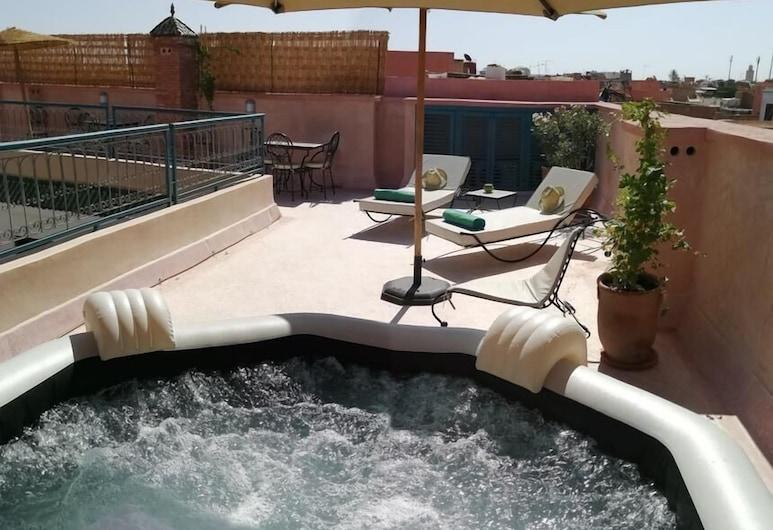 Riad Ambre et Jasmin, Marrakech, Outdoor Spa Tub