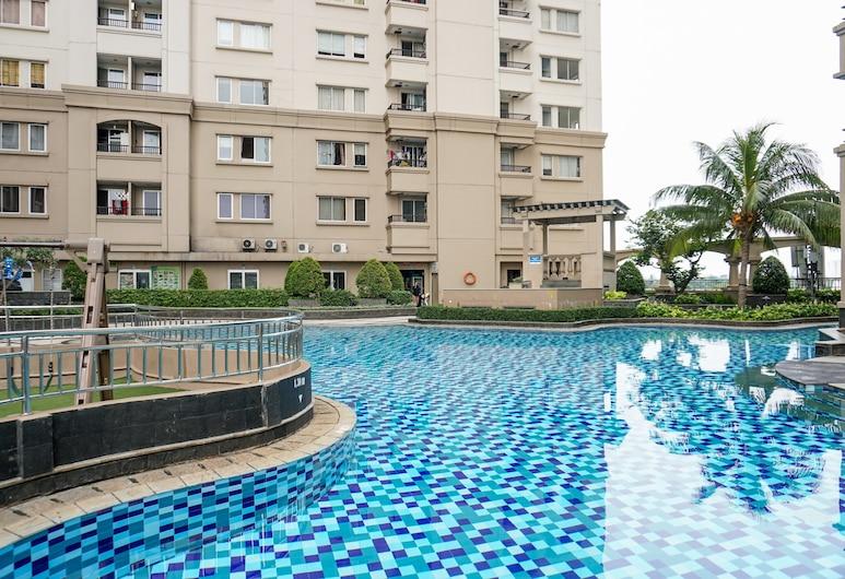 2BR Apartment Seaview with Workspace at Mediterania Marina Ancol, Jakarta, Kolam Terbuka