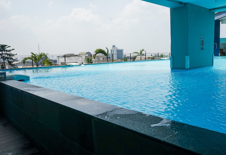 Spacious Studio Apartment at Pasar Baru Mansion, Jakarta, Outdoor Pool
